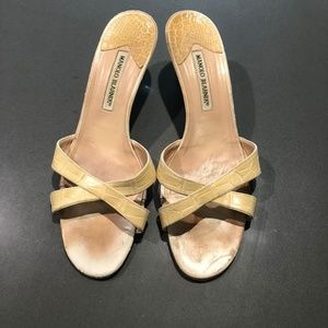 manolo blahnik alligatoe sandals